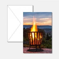Feuerkorb im Abendlicht