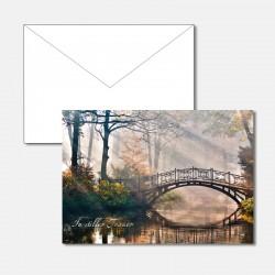 Trauerkarte Brücke im Laubwald